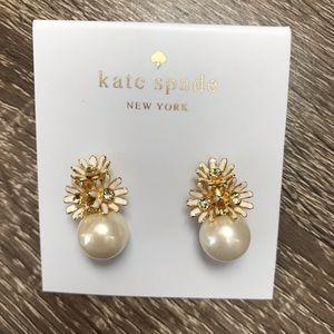 NWOT Kate Spade Imitation Pearl Daisy Stud Earring